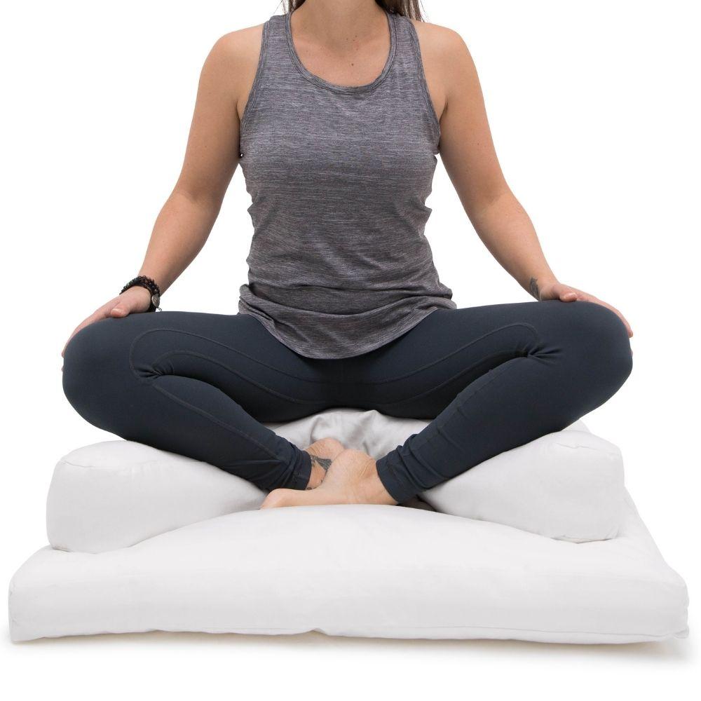 halve-maan-meditatiekussen-wit