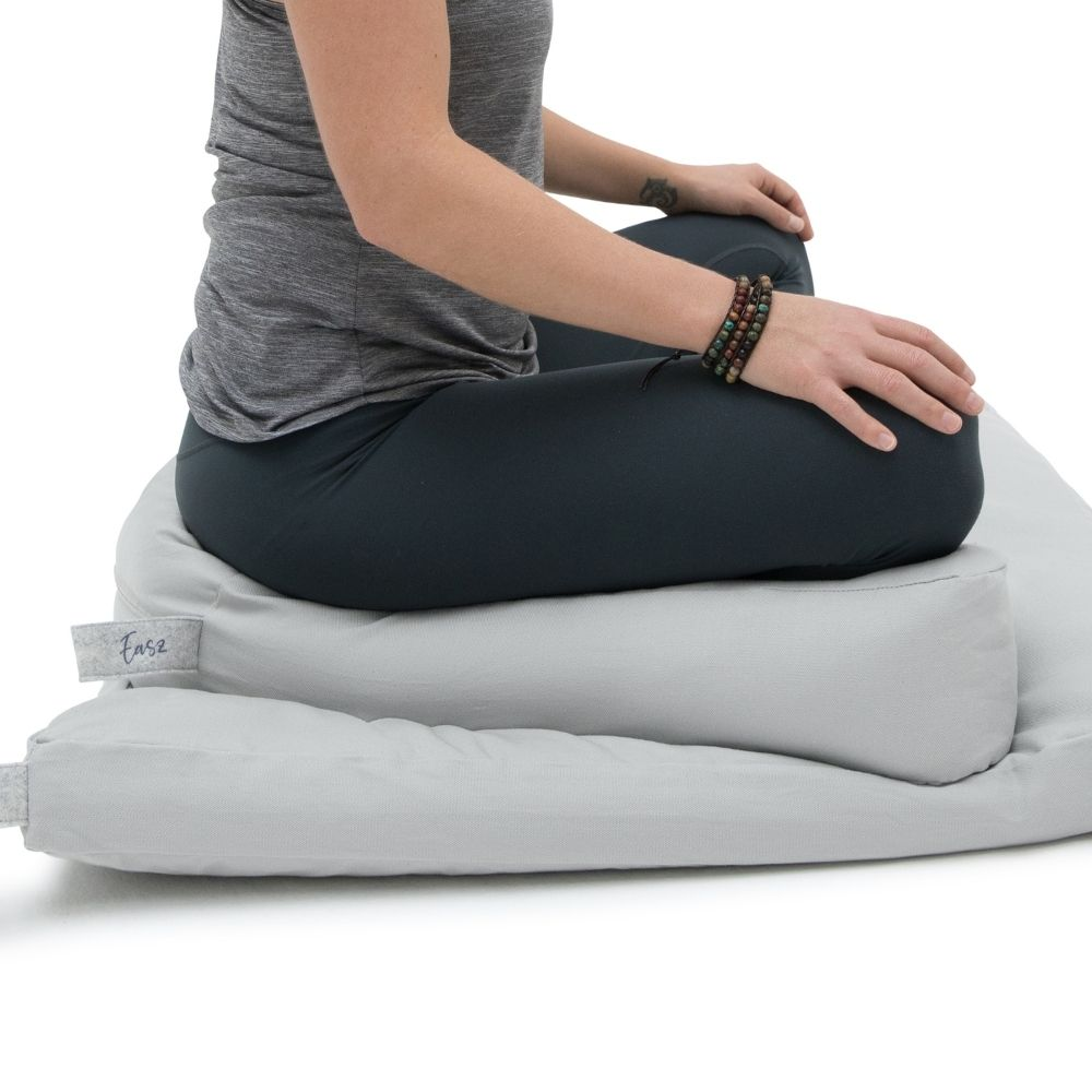 meditatiekussen-halve-maan-met-zabuton-meditatiemat-grijs