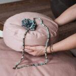 Meditatiekussen-rond-roze